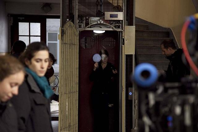 """Daniella Saba em set de """"O que fica"""""""